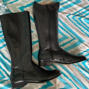 Kenneth Cole boots. Size 8.